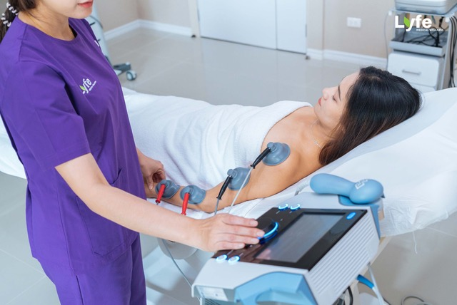 Physiotherapy - Vacuum Therapy by lyfe medical wellness